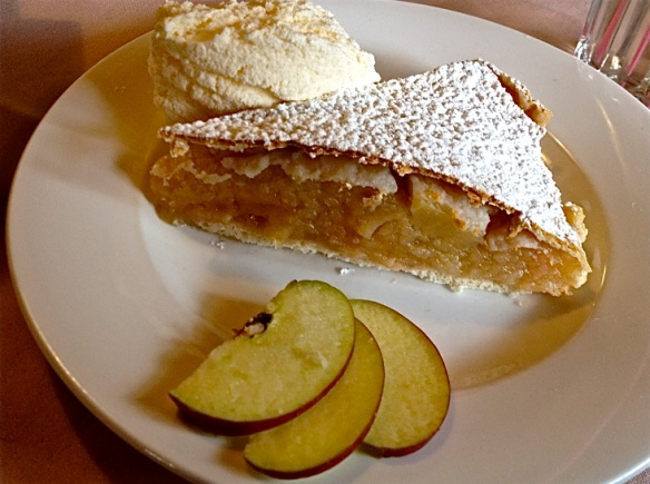 Apple pie at Megalong Valley tea rooms